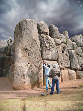 Sacsayhuaman fortress Cusco ancient builders Peru