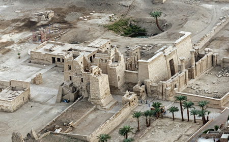 Luxor Egypt temple ancient builders